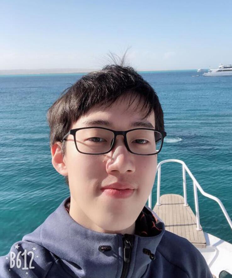 Yizheng Tan-03